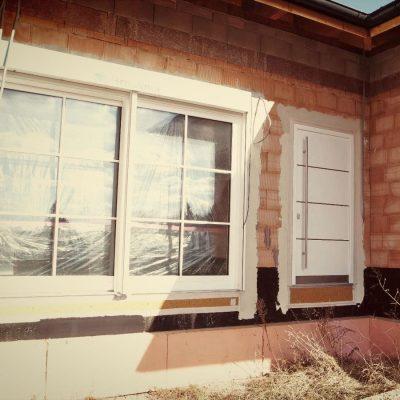 HolzAlu Hebeschiebetür mit Sprossen. Hauseingangstür Modell Design.