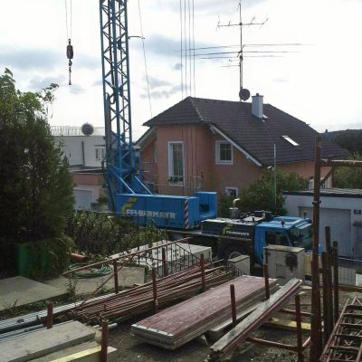 Betriebsame Gewerke auf der Baustelle